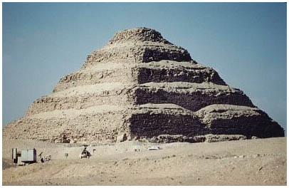 Egypt - Džoserova (Necerichetova) pyramida zvaná Stupňovitá - Sakkára