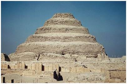 Egypt - Džoserova (Necerichetova) pyramida zvaná Stupňovitá - Sakkára 2
